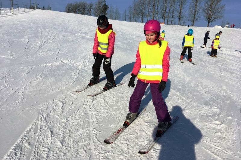 Pierwsze kroki z nartami i snowboardem na Kaszubach